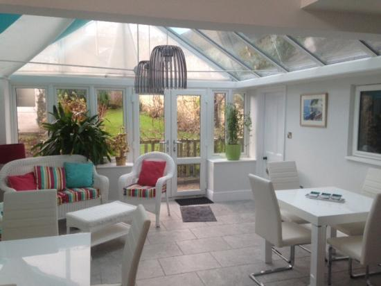 Beer, UK: Conservatory/dining room