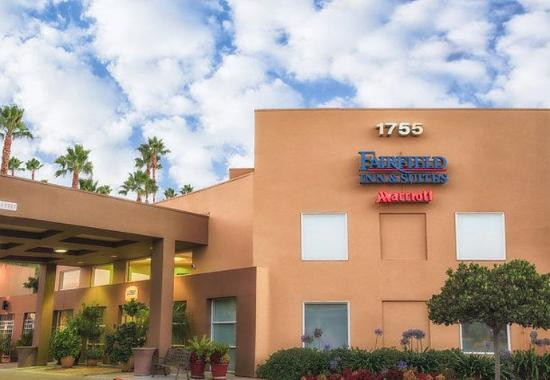 Fairfield Inn & Suites by Marriott, San Jose Airport: Exterior