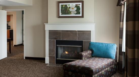 Rockaway, NJ: Fireplace Presidential Suite