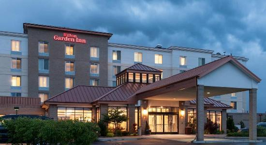 Highlands Ranch, CO: Hotel Exterior at Dusk