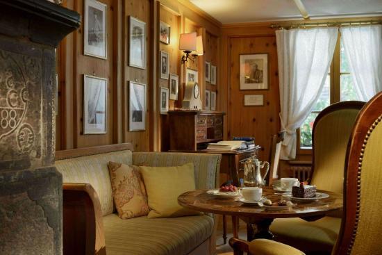 Hotel Monte Rosa: Whymper Salon