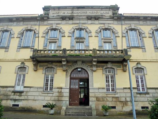 Escola Secundária Alexandre Herculano Building