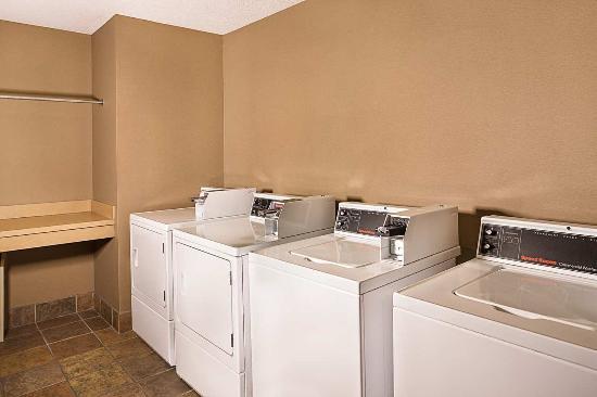 Maitland, FL: Laundry Room