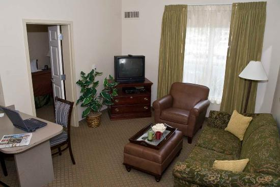 Maitland, FL: Accessible Two Bedroom Living Room