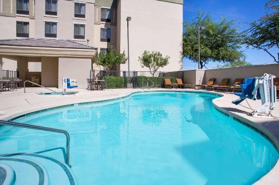 Avondale, AZ: Hotel Pool