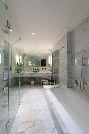 Grand hotel via Veneto: bathroom