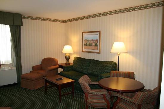 Littleton, NH: Superior 1 Bedroom Suite