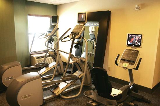 Hampton Inn & Suites East Lansing / Okemos: Fitness Center