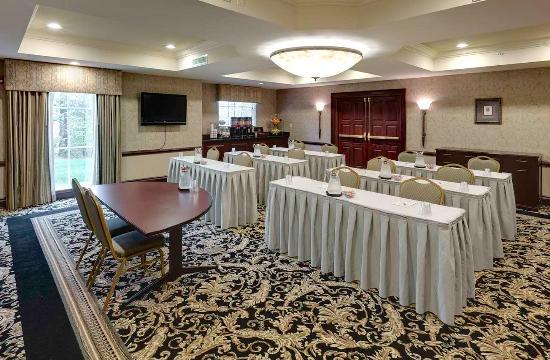 Billerica, MA: Meeting Room - Classroom