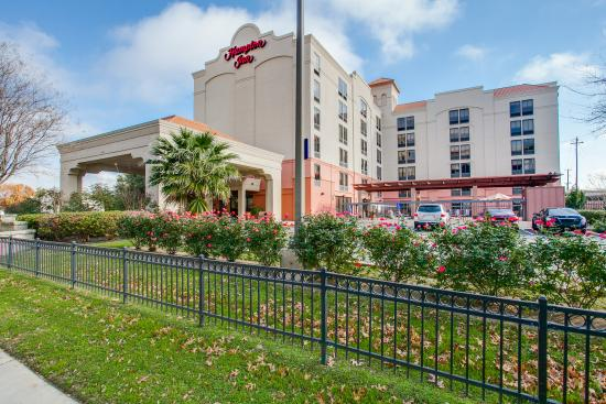 Hampton Inn San Antonio Downtown (River Walk): Front of Hotel