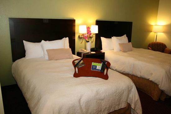 Sulphur, LA: Two Double Beds