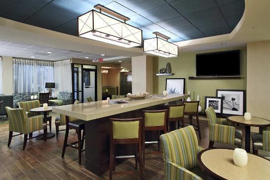 Hampton Inn Cocoa Beach/Cape Canaveral: Seating Area