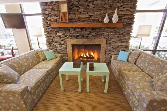 Clarks Summit, PA: Lobby Fireplace