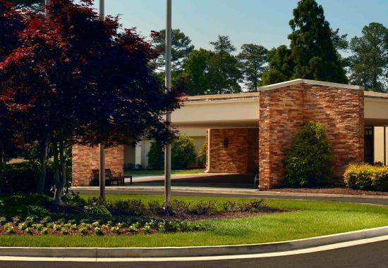 Dunwoody, GA: Exterior