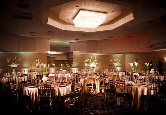 Peabody, MA: Centennial Ballroom - Wedding