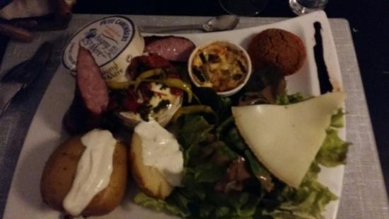 Dax, Frankrike: Camembert d isigny. .. Super! Comme d habitude