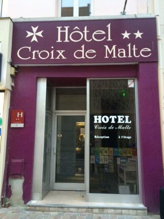 entr e photo de hotel de la croix de malte cherbourg tripadvisor. Black Bedroom Furniture Sets. Home Design Ideas