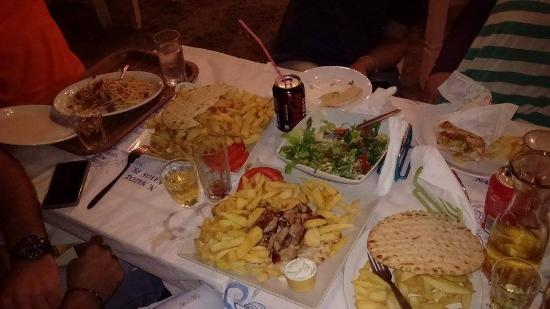 Greek Taverna Manolo: .......
