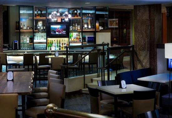 Park Ridge, NJ: Brae's Lounge