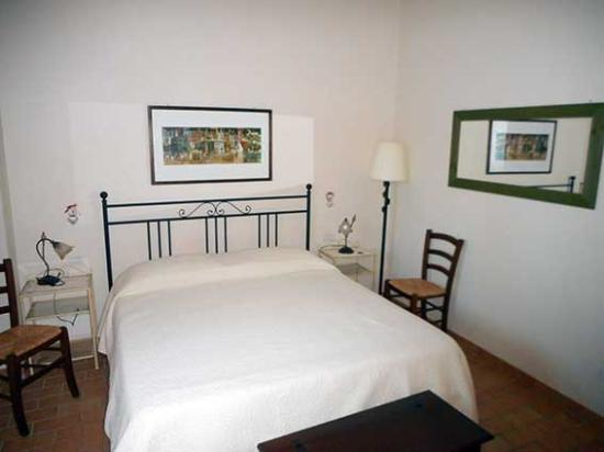Castelfiorentino, Italia: Villa Tilli camera matrimoniale suite rossa