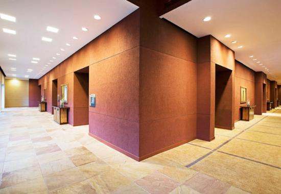 Westlake, TX: Ballroom Foyer