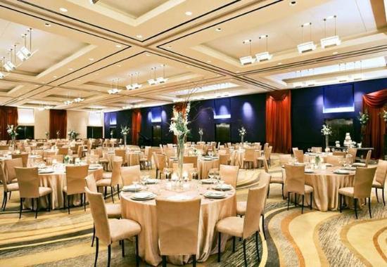 Westlake, TX: Ballroom Wedding