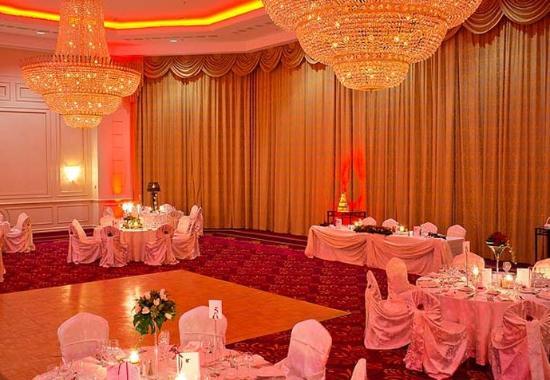 JW Marriott Bucharest Grand Hotel: Constanta Ballroom- Wedding Set Up
