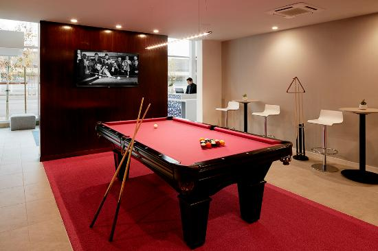 เมนโลพาร์ก, แคลิฟอร์เนีย: Hotel Lucent - Game Room