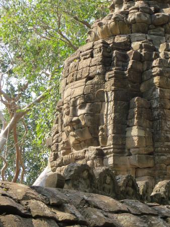 Banteay Meanchey Province, Cambodja: The same great face seen in Bayon