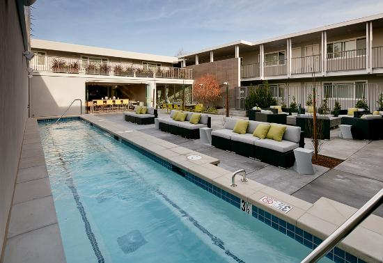 Menlo Park, CA: Hotel Lucent - Jacuzzi