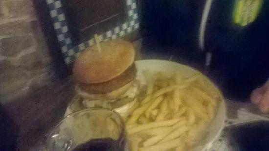 Limite Sull'Arno, Italia: hamburger
