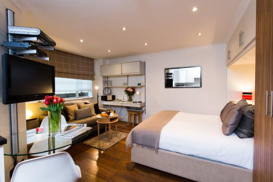 Nell Gwynn House Apartments: Traditional style small studio