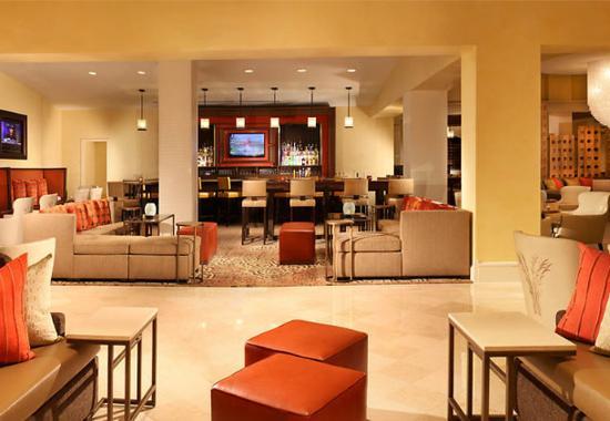 Sugar Land, เท็กซัส: Denim's Lounge