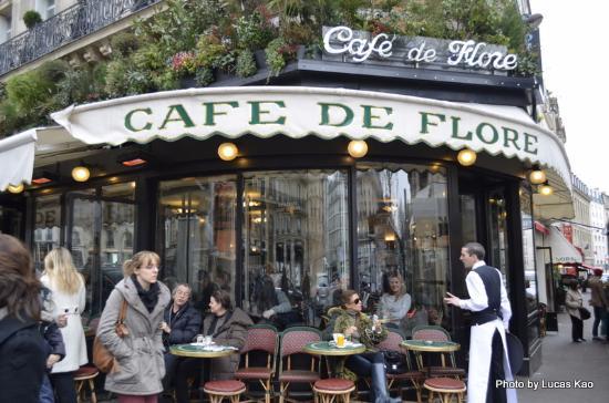 Le Village Caf Ef Bf Bd  Paris