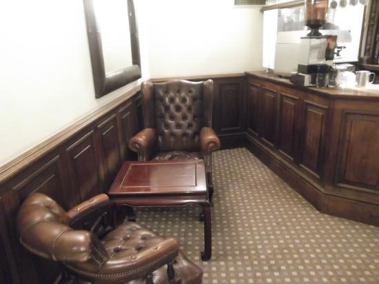 Бакингем, UK: Villiers Hotel - The Library Bar