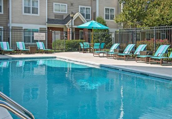 Morrisville, Carolina do Norte: Outdoor Pool
