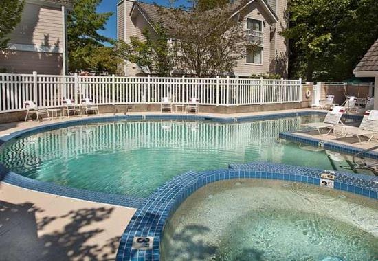 Lake Oswego, Орегон: Outdoor Pool
