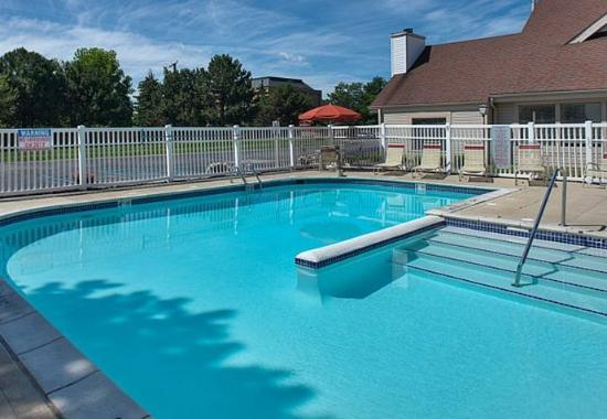 Madison Heights, Μίσιγκαν: Outdoor Pool