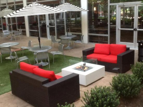 University of Georgia Center for Continuing Education & Hotel: Pecan Tree Courtyard firepits