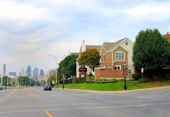 Residence Inn Kansas City Downtown/Union Hill: Exterior