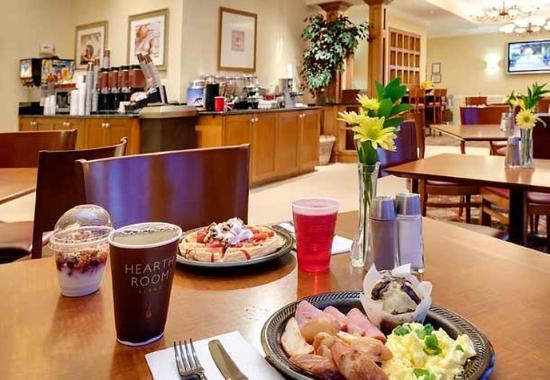 Henrietta, NY: Breakfast Buffet