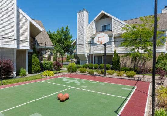 Henrietta, NY: Sport Court