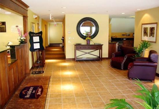 Residence Inn by Marriott Milwaukee - Brookfield: Lobby