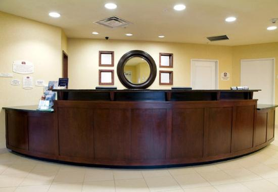 Southaven, MS: Front Desk