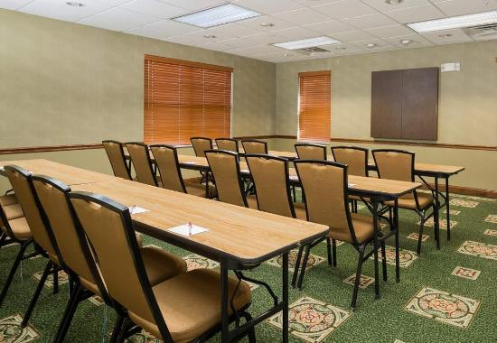 Independence, MO: Meeting Space - Classroom Setup