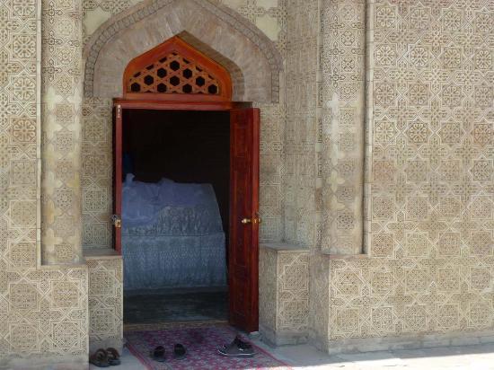 Taraz, Kazakistan: Einblick mit Sarkophag