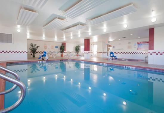 Palmdale, Kalifornien: Indoor Pool & Spa