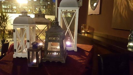 Colonial Restaurant & drinks : El rincón del piano