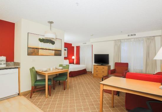 เซเลม, ออริกอน: Studio Suite - Living Area