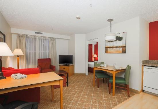 เซเลม, ออริกอน: One-Bedroom Suite - Living Area